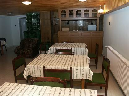 Guesthouse 150 meters from the main entrance of the bath, with car park. www.bessenyeivendeghaz.hu